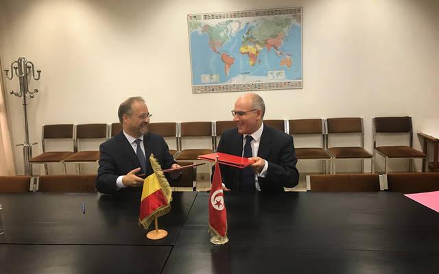 خلال توقيع الاتفاق بين الجانبين
