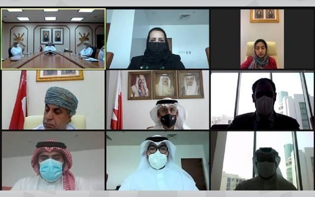 جانب من المشاركين في الاجتماع البحريني العماني - افتراضيًا