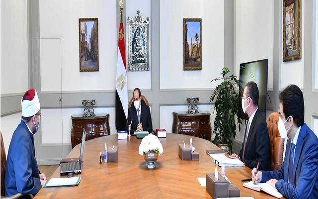 خلال اجتماع عقده الرئيس السيسي مع محمد مختار جمعة وزير الأوقاف