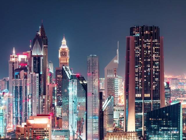 ناطحات سحاب وعقارات في دبي