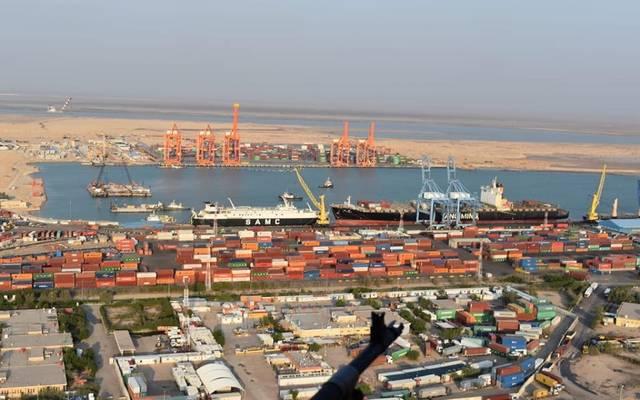 النقل العراقية تعفي أصحاب البضائع من الرسوم بميناء أم قصر