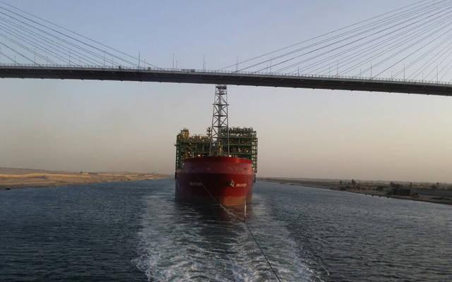 قناة السويس: عبور أكبر خزان بترول في العالم بحمولة 100 ألف طن