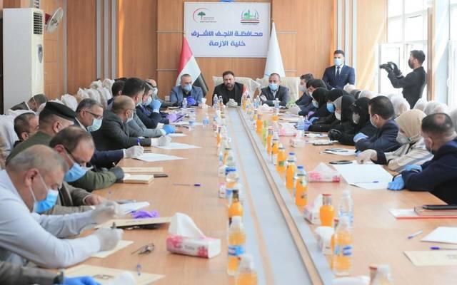 النائب الأول لرئيس مجلس النواب العراقي، حسن كريم الكعبي، يعقد اجتماعا بحضور محافظ النجف الأشرف لؤي الياسري، وأعضاء خلية الأزمة في المحافظة