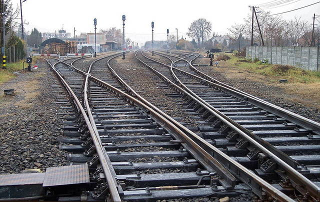 العراق يستأنف نقل الوقود بالسكك الحديدية بعد توقف 15عاماً