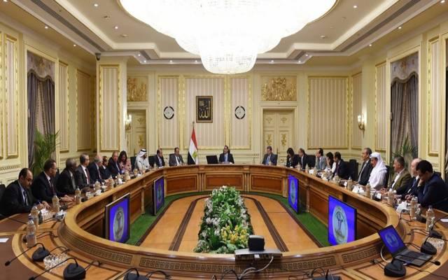 رئيس الوزراء المصري مصطفى مدبولي يلتقي رئيس وأعضاء اتحاد البورصات العربية