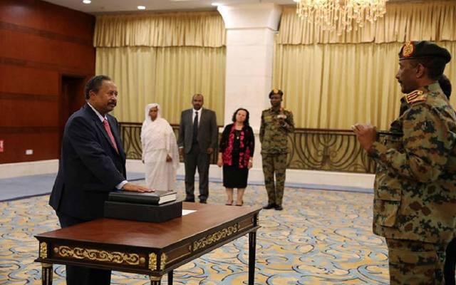 عبدالله حمدوك يؤدي اليمن الدستوري رئيساً للحكومة