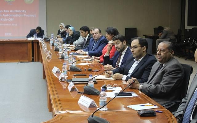 خلال اجتماع وزير المالية مع قيادات الضرائب