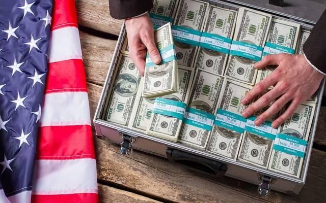 محدث.. الدولار الأمريكي يتحول للهبوط عالمياً بعد بيانات اقتصادية