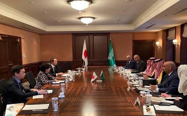 خلال لقاء وزير الاقتصاد والتخطيط السعودي ووزير التجارة والاستثماربحاكمة طوكيو يوريكو كويكي