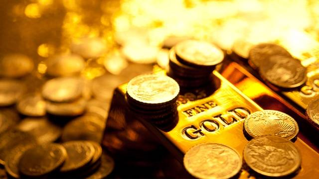 Gold stays near 10M-hike; markets closely await Fed minutes