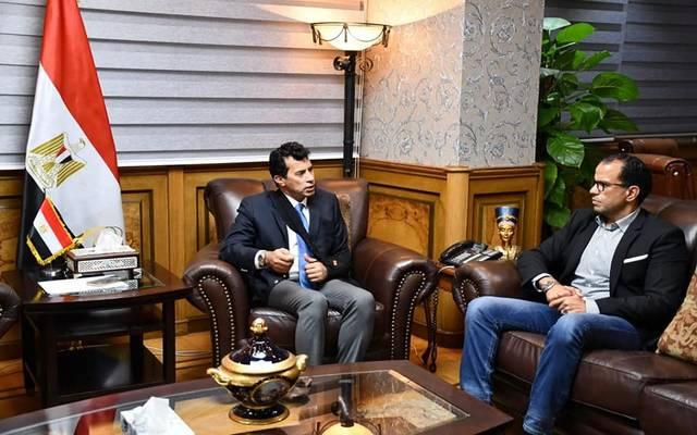 """وزير الرياضة المصري يبحث توسعات شركة """"استادات"""".. وتطوير أندية """"سيتي كلوب"""""""