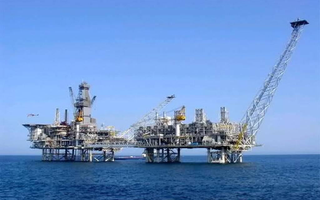 توقعات بتسجيل النفط تراجعات أعمق خلال 6 أشهر