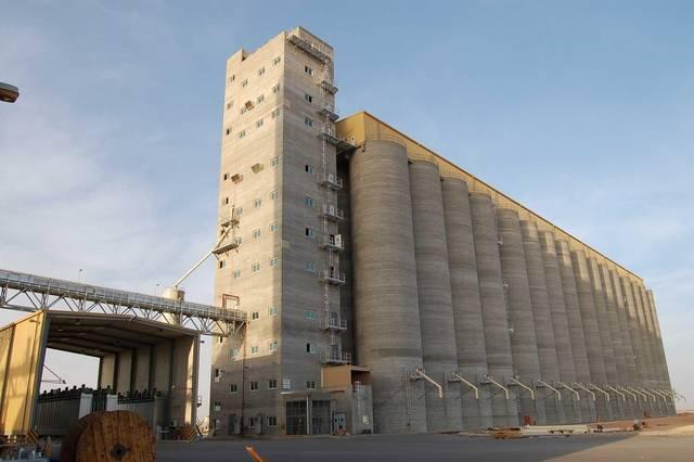 """""""الحبوب"""" السعودية تعلن سعر كيس الشعير بعد رفع ضريبة القيمة المضافة لـ15%"""