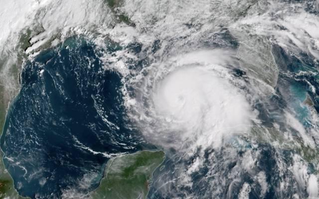 """الكويت تدعو رعاياها بالولايات المتحدة للحذر من إعصار """"باري"""""""