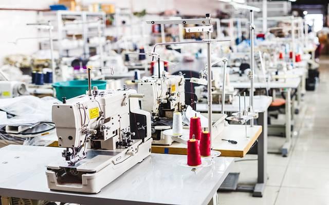 مصنع ملابس - أرشيفية