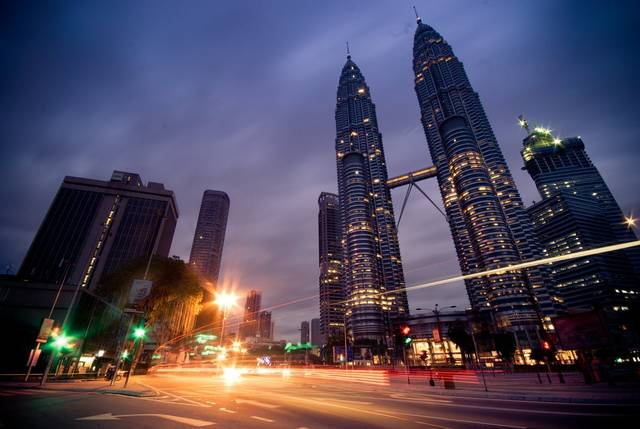اقتصاد ماليزيا ينكمش بأكبر وتيرة منذ الأزمة الآسيوية في 1998