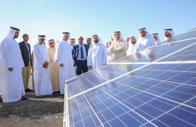أثناء الاحتفال بالبدء فى استخدام الطاقة الشمسية