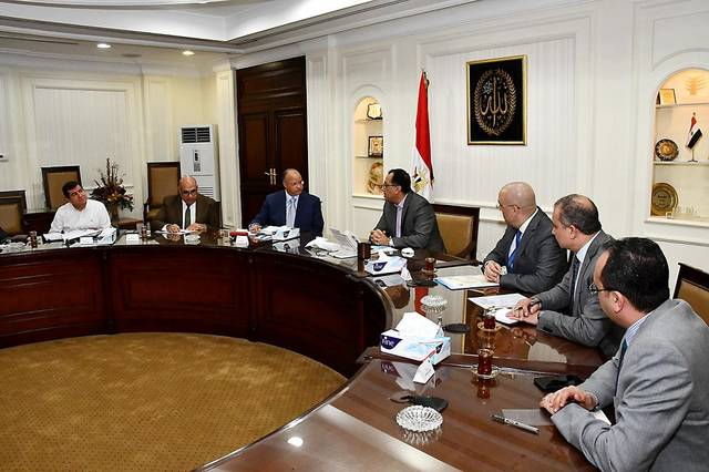 اجتماع مصطفى مدبولي مع محافظ القاهرة