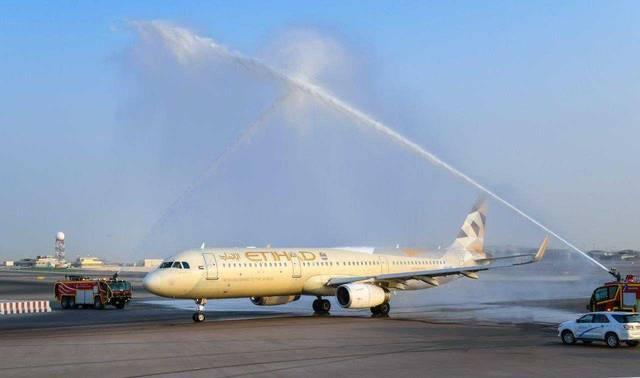 تتاح الفرصة أمام 10 مواطنين سعوديين من بين القادمين إلى مطار أبوظبي الدولي أو المغادرين منه الاستمتاع بخدمات القاعة 'الماسية' في مبنى كبار الشخصيات