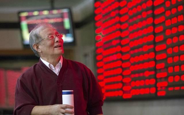بورصة الصين تسجل مكاسب بأولى جلساتها بعد عطلة العام الجديد
