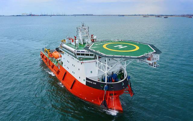 إحدى القطع البحرية التابعة لشركة الخدمات الملاحية والبترولية