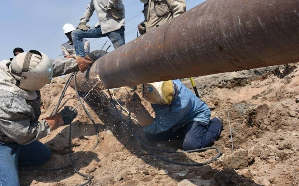 Iraqi Oil: Repairing the crude oil pipeline for Al-Hartha Power Station 1024