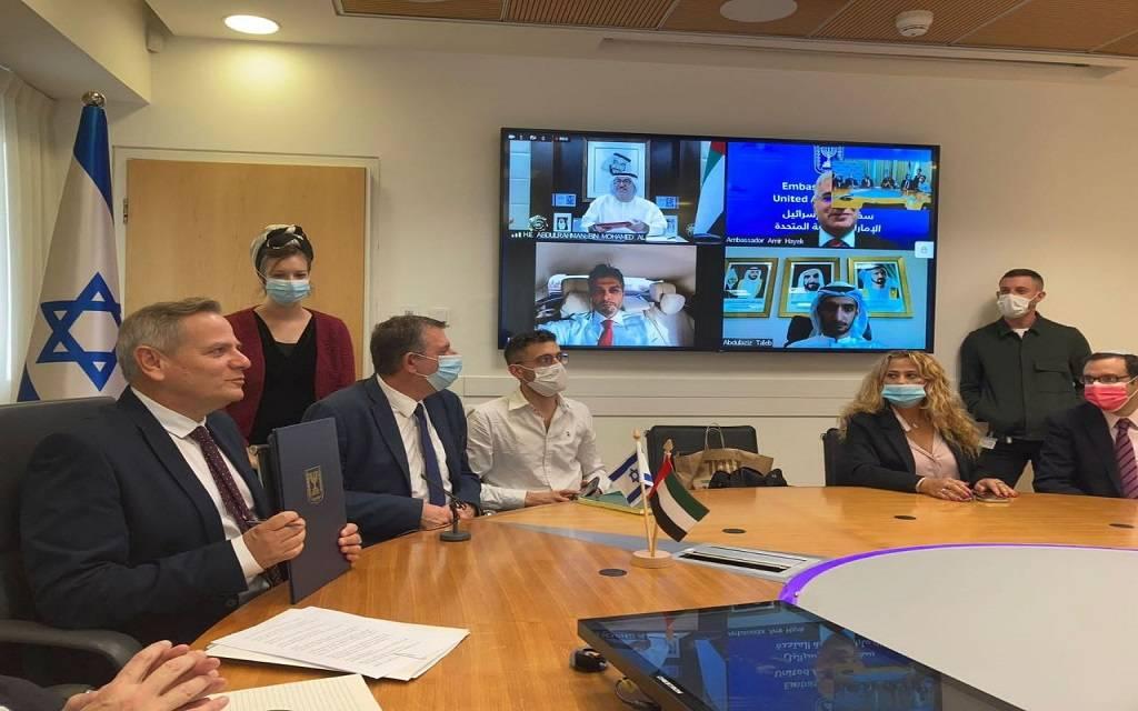 """الإمارات وإسرائيل تتفقان على الاعتراف المتبادل بشهادات التطعيم ضد """"كورونا"""""""
