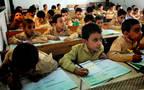 الطلاب بإحدى المدارس الابتدائية المصرية