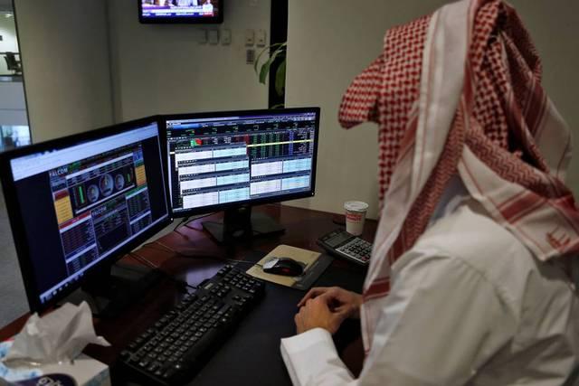 سوق الأسهم السعودية بأدنى مستوياته في 2019.. بعد تراجعه الثالث