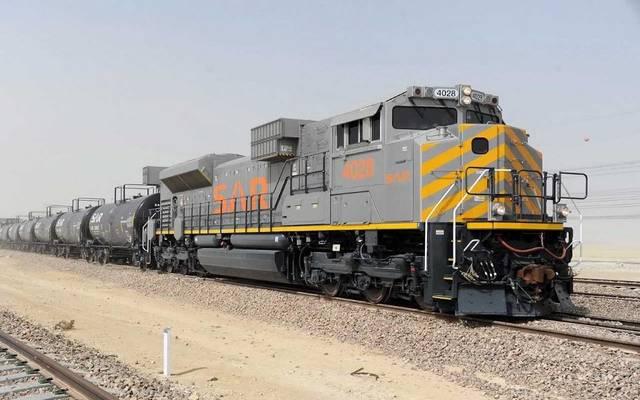 """قطار بضائع تابع للشركة السعودية للخطوط الحديدية """"سار"""""""