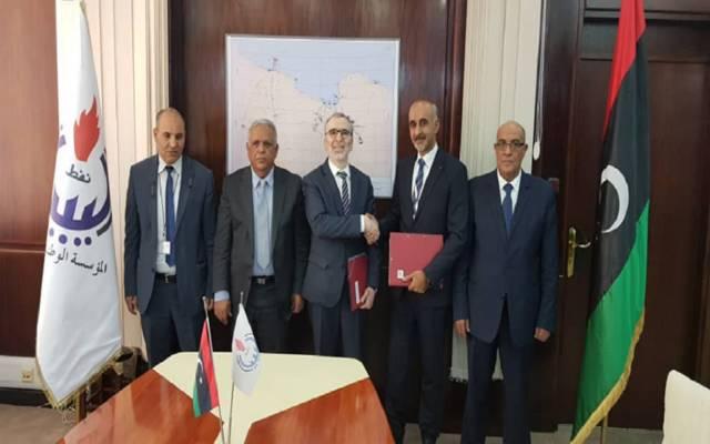 """""""الوطنية للنفط"""" الليبية و"""" فينترسهال"""" تؤسسان شركة السرير للعمليات النفطية - صورة من توقيع الاتفاق"""