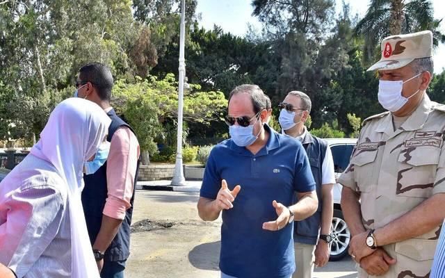 الرئيس المصري عبدالفتاح السيسي خلال جولة تفقدية لمشروعات قومية