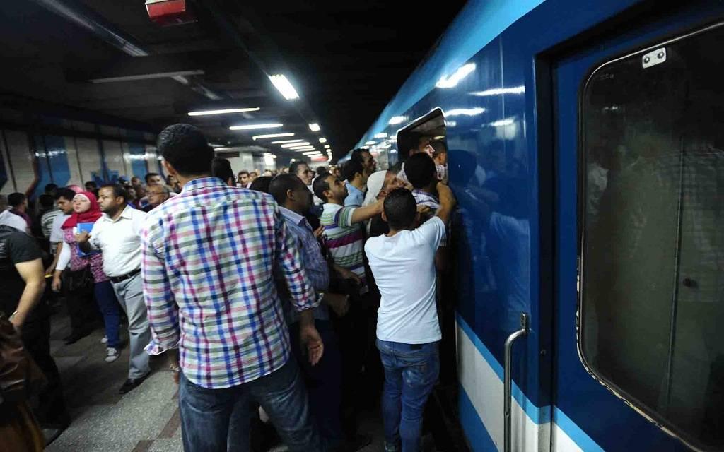 """""""النقل المصرية"""" تتعهد بأن تظل تذكرة المترو أرخص وسائل المواصلات"""