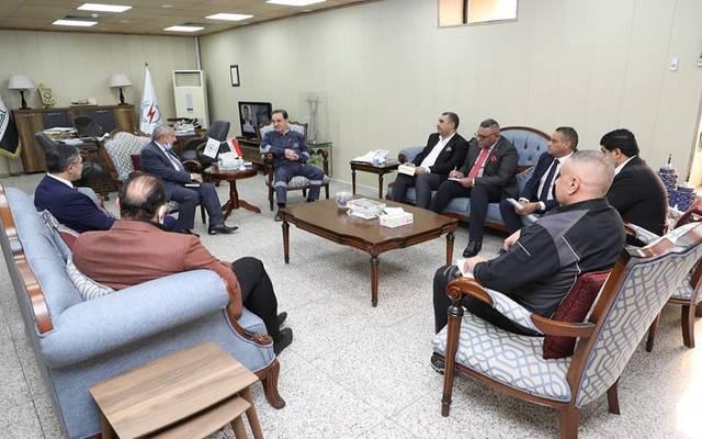وزير الكهرباء خلال استقباله وفد وزارة الصناعة والمعادن