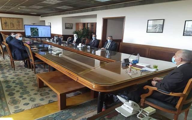 خلال جتماع متابعة الموقف التنفيذي لمشروع التحول إلى نظم الري الحديث