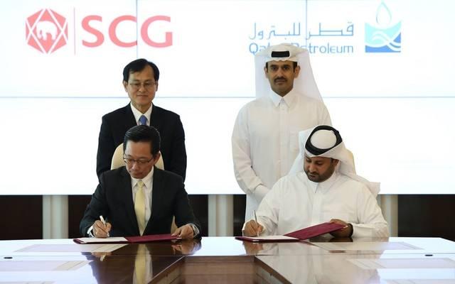 جانب من توقيع قطر للبترول للاتفاقية مع الشركة التايلاندية
