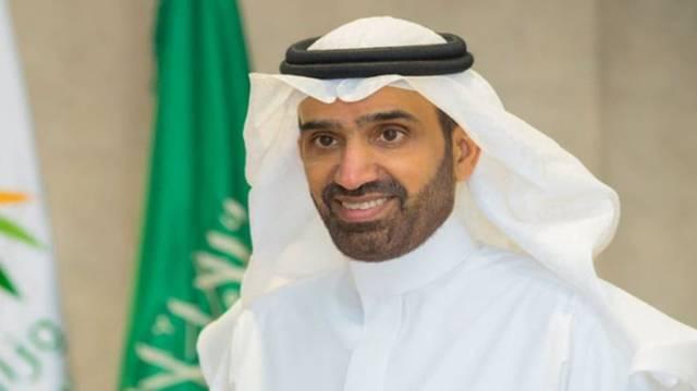 السعودية تصدر 3 قرارات لتوطين العمل بالمولات التجارية