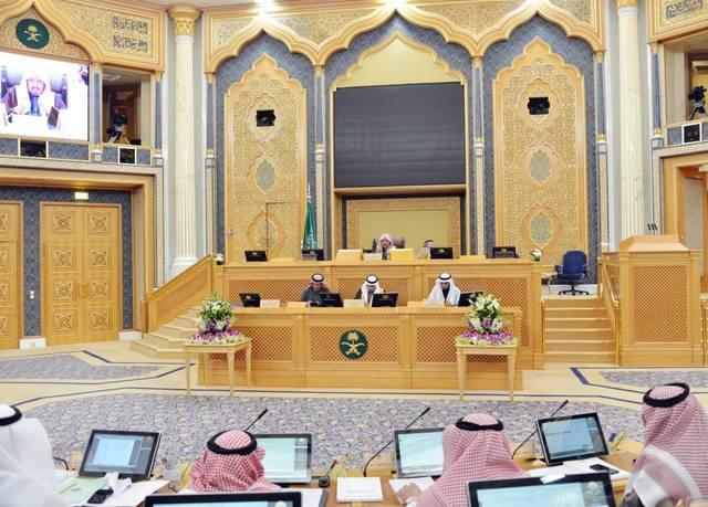 الشورى يطالب بتمديد التقاعد وممارسة المهن الحرة لأعضاء هيئة التدريس
