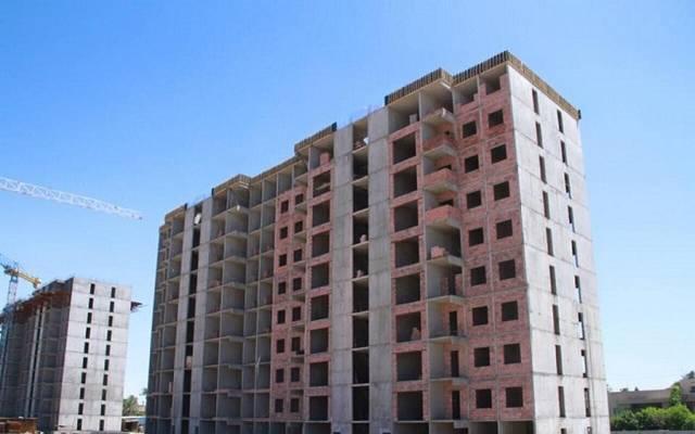 عمارات سكنية تحت الإنشاء