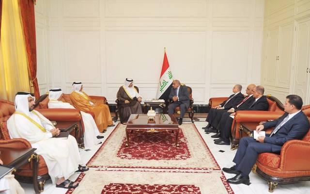 جانب من اجتماع نائب رئيس الوزراء القطري برئيس وزراء العراق