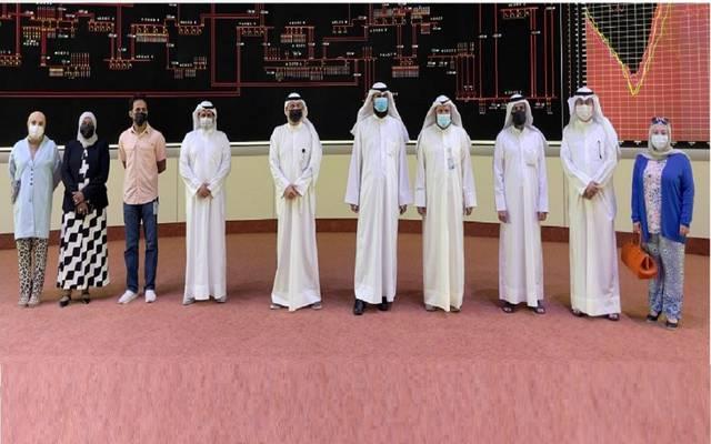جانب من زيارة الوزير لمركز التحكم الوطني والاطلاع على وضع الشبكة الكهربائية وجاهزيتها