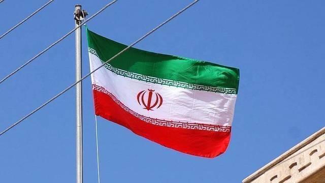 Iran threatens to break uranium enrichment curbs