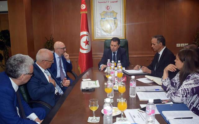 جانب من اجتماع المجمع الايطالي بوزارة الصناعة التونسية