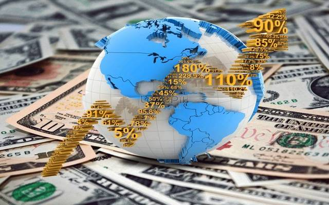 قفزة الذهب وخسائر النفط.. الأبرز بالأسواق العالمية اليوم