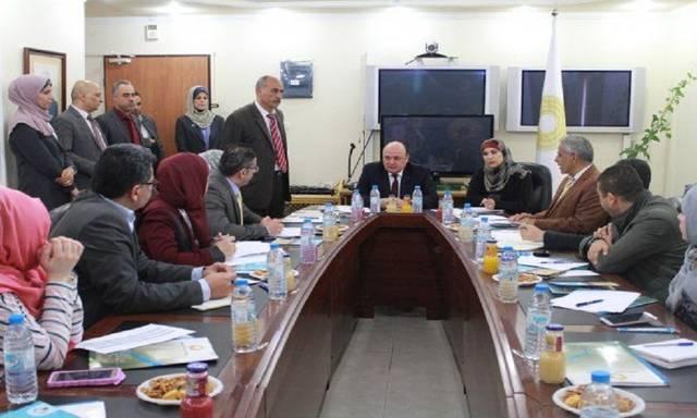 """محافظ """"النقد الفلسطينية"""" يلتقي ممثلي البنوك للتحضير للأسبوع المصرفي"""