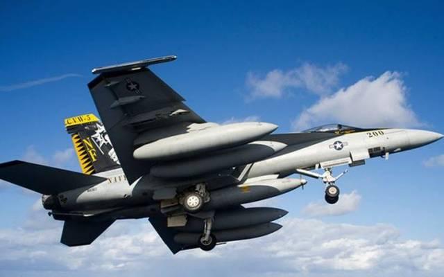 طائرة بوينغ من طراز F/A-18 Super Hornet