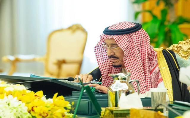 خادم الحرمين الشريفين الملك سلمان بن عبدالعزيز خلال اجتماع مجلس الوزراء في قصر اليمامة