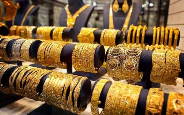 معروضات الذهب والحلي بالسوق المحلي في الأردن