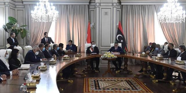 مصر وليبيا توقعان 11 وثيقة لتعزيز التعاون بين البلدين