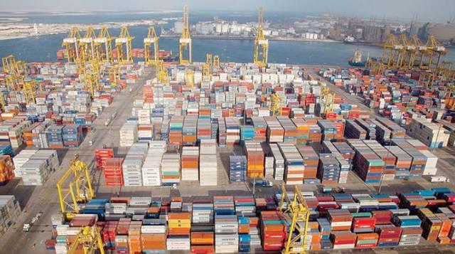 ميناء متخصص بنقل البضائع بدولة الإمارات